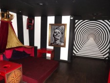 Cirque Le Soir : London's Top Nightclubs. Great nightlife, girls night out, extensive cocktail list, exclusive entertainment on one of London's most exclusive clubs.
