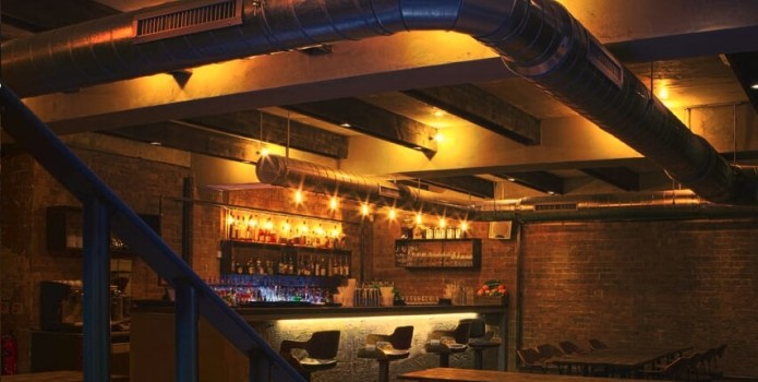 Oskar's Bar : London's Top Bars. Great nightlife, extensive cocktail list, one of London's most exclusive bars.